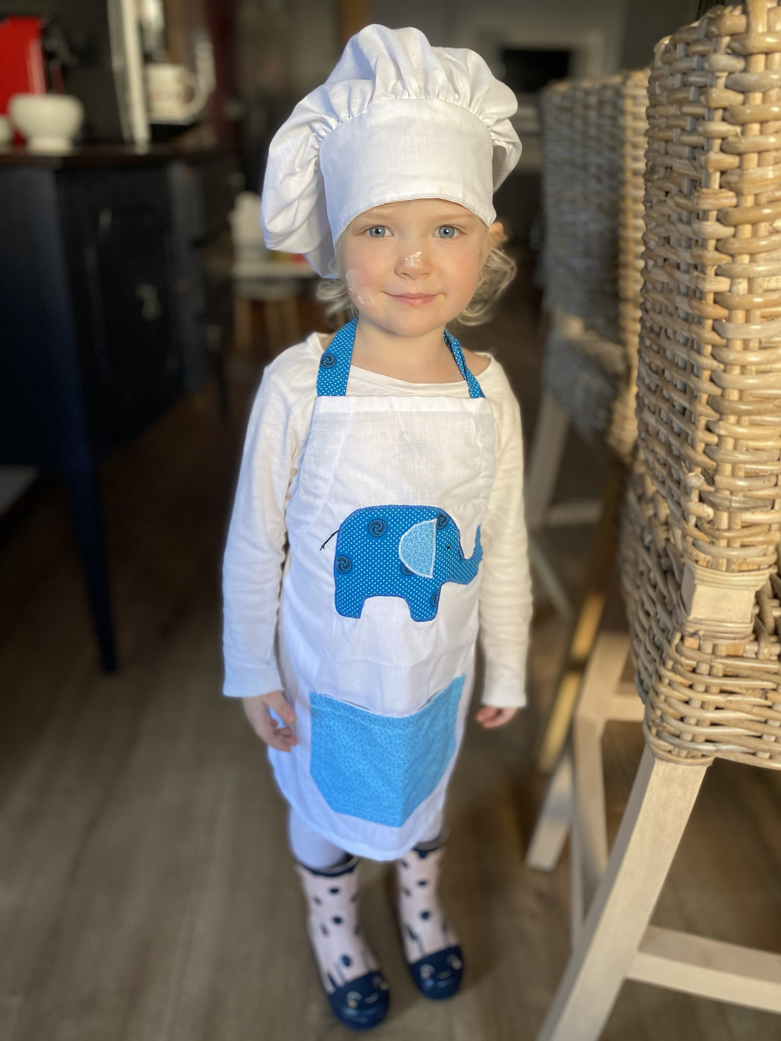 Kiddies apron and chef's hat