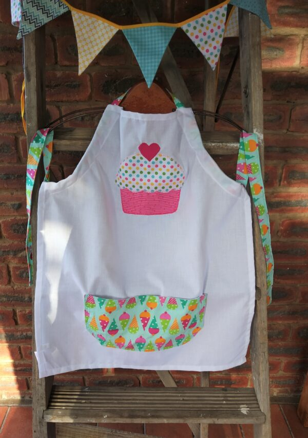 Apron for child 7-9 years