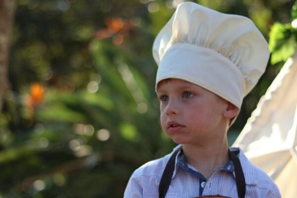 Chef's hat with velcro fastening