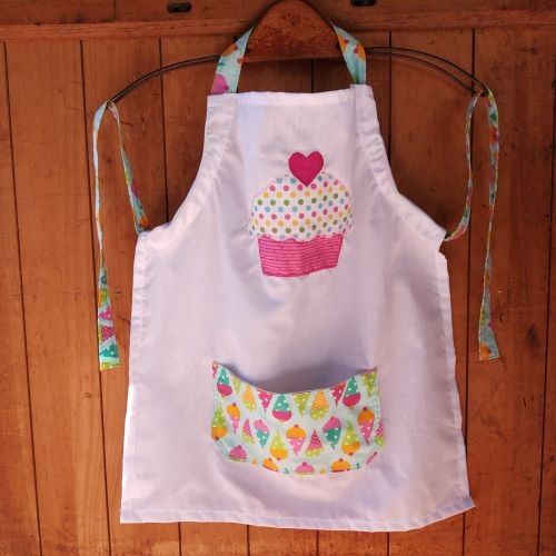 kiddies apron for child aged 7-10